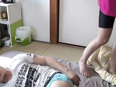 Sporty Japanese babe is being picked up and fucked