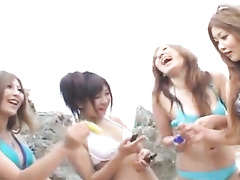 Japanese beauty girlfriends got out to the beach